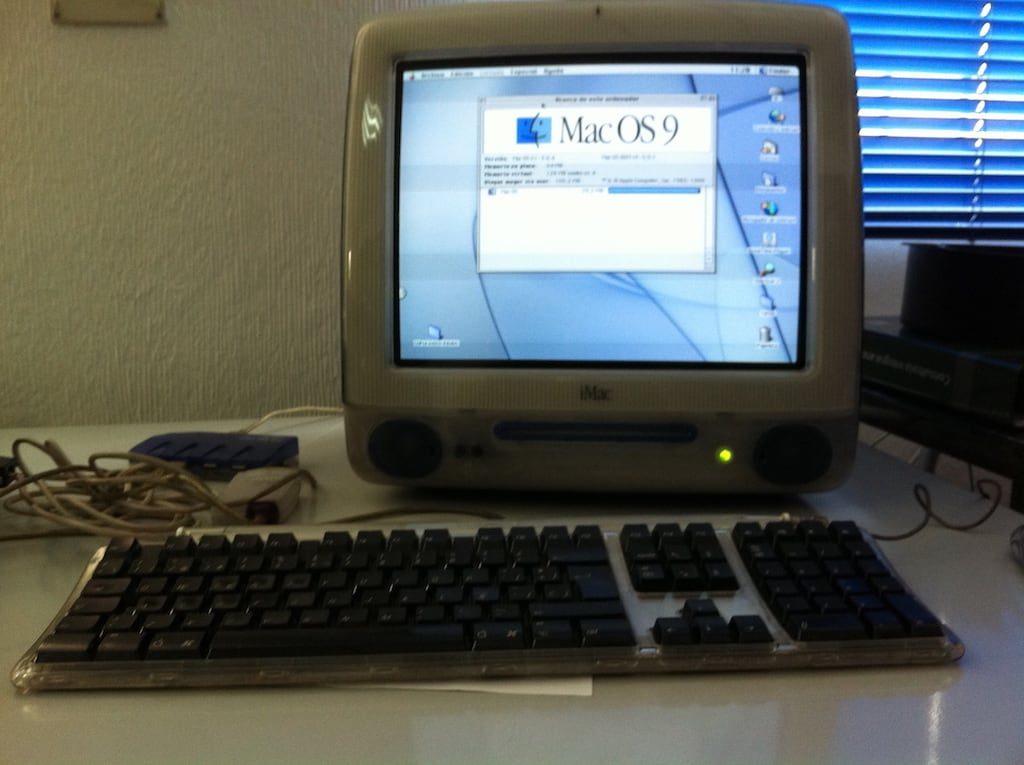 iMac G3 con Mac OS 9